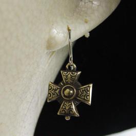 アイアンクロス・十字架型フープピアス1個/真鍮ブラス&チタン製