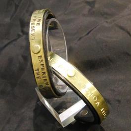 メッセージ刻印します。革&真鍮バングル プレゼントに!