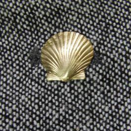 真鍮ブラス製 ミニシェル型ピンズブローチ ジャケットやハットの飾りとして