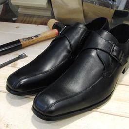 ブラック 工房染色の牛本革モンク靴