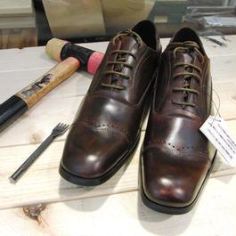 ブラウン 工房染色の牛本革ロングノーズ靴