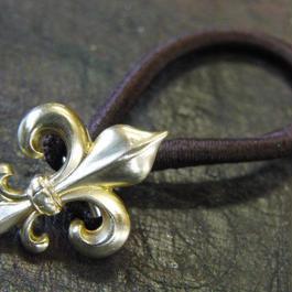 真鍮製 フレア(ユリ)型ループコンチョ/ヘアゴム付き/縫い留めで飾りとして