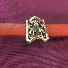 真鍮製 ミニ洋風唐草帯留め 着物や浴衣の帯どめ飾りに