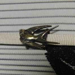 真鍮製 つばめ鳥型帯留め 着物や浴衣の帯どめ飾りに