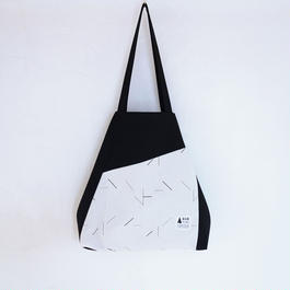 flag bag(ブラック・ホワイト)