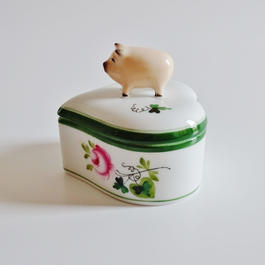 ヘレンド ウイーンの薔薇 ハート型ボンボン入れ ブタ