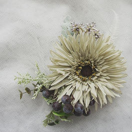 Dahlia corsage & Haired
