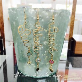 Manoa Love Design 14K Gold f カスタムネーム縦ピアス