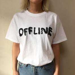 Uwes Kiosk x Stefan Marx 'OFFLINE' Tシャツ