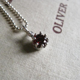 Milk Crown Necklace -Garnet-5mm