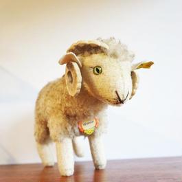 ドイツ Steiff社製 羊 steiff-004