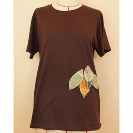 はっぱのTシャツ(ブラウン)