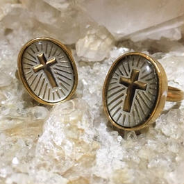 Cross of halo ring