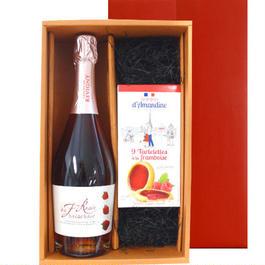 フランスのスパークリング・苺ワインとラズベリータルトの焼菓子