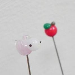 【gemma】まち針2本セット ピンクのとり&りんご L13-1308
