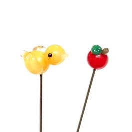 【gemma】まち針2本セット とり黄色&りんご L13-1606
