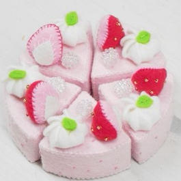【KANADE】いちごケーキ カットあり  P29-385