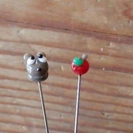 【gemma】まち針2本セット  ねずみ&りんご  L13-1712
