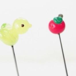 【gemma】まち針2本セット きみどりのとり&りんご