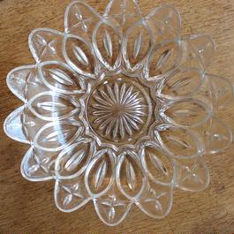 昭和レトロ・プレスガラスの中皿