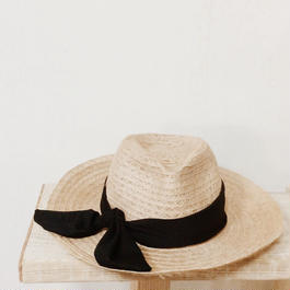 Black ribbon hat (long)