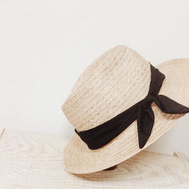 Black ribbon hat
