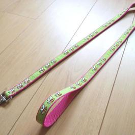 オリジナルリード(ピンク×緑ミツバチ)Mサイズ