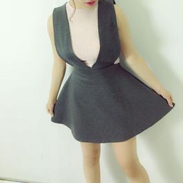 Vネックジャンパースカート