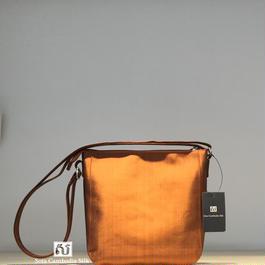 ソウタカンボジアシルク 茶色 カンボジアシルクバッグ シルクバッグ シルクショルダーバッグ アジアンバッグ アジアンショップ アジアン雑貨 シルクショップ  シルク雑貨 ハンドメイド ブラウン