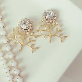 flower tree pierced earring