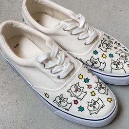 バウの猫の小林さんの紐スニーカー