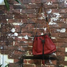 RED × BLACK LEATHER SHOULDER BAG