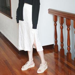 crinkle satin slit skirt