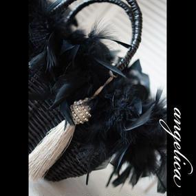 Luxury Feather Bag タッセル付 ゴージャスな羽根付き軽いバッグ。パーティバッグにもおススメ!