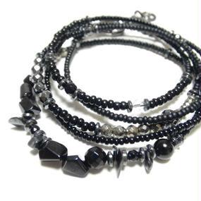 ブラックスピネル&オニキス 5重巻き ラップビーズブレス ''BLACKSPINEL & ONYX quintuple wrap beads bracelet''