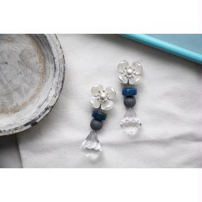 Bleu × Gray  flower