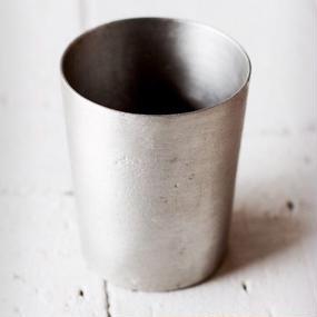 錫のグラス