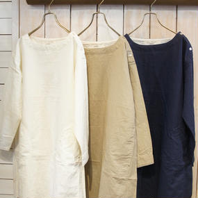 【NANEA】綿麻平織り・ボートネックワンピース