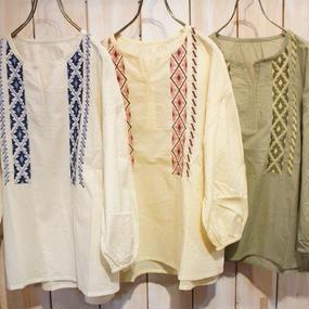 【NANEA】【インド製】綿ボイル・刺繍ブラウス