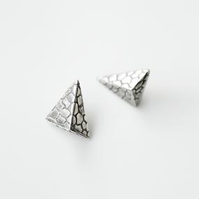 Jivita Harris Casey | Snake Canyon post earring