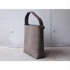 【ViN】ワンショルダーレザーバッグ(L)/ グレイ