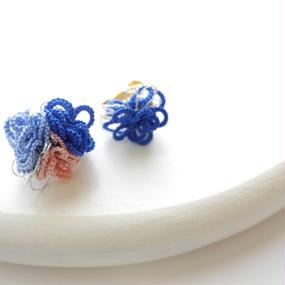 Petit Flower イヤリング/blue asm