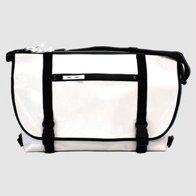 【受注生産アイテム!】Ball's Material Messenger Bag 2016AW/サッカーボールレザー ホワイト