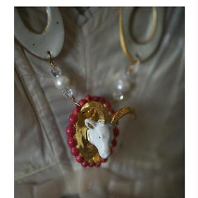 Joke Schole ceramic necklace goat