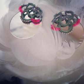 SHINGO MATSUSHITA  『細輪に中覗き椿 』pierce pair