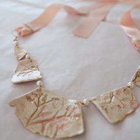 Joke Schole ceramic necklace light pink