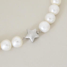 Etoire (fresh water pearl necklace )