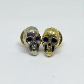 "HPS-17-B.WB  ""VintageSkull"" Pins"