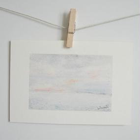 postcard / 淡いピンクの空と海