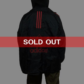 【USED】90'S ADIDAS NYLON JACKET BLACK × RED
